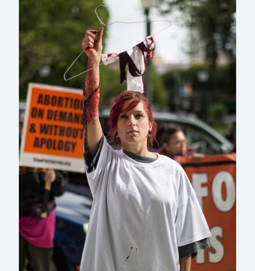 11 y 12 de abril acciones por todo estados unidos se for Gancho de ropa en ingles