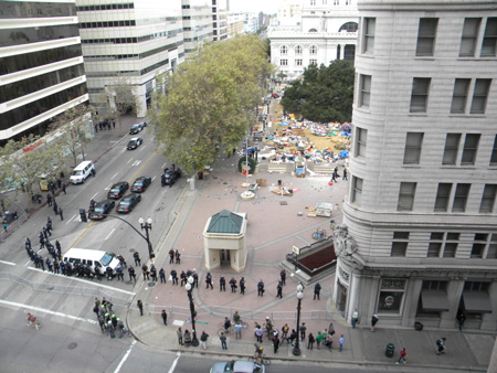 Police raid on Occupy Oakland, Tuesday October 25, 2011