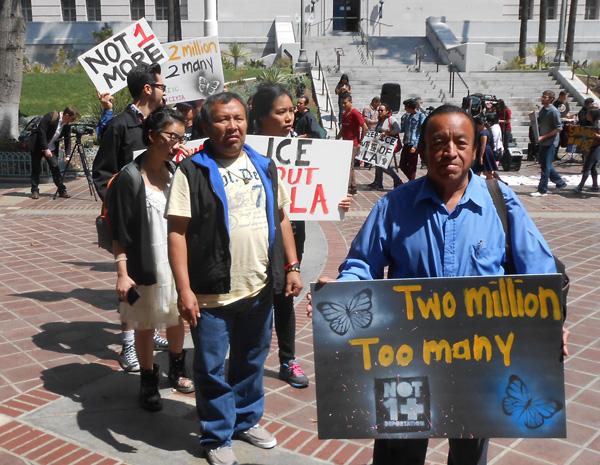 Los Angeles April 5, 2014 march againt deportations