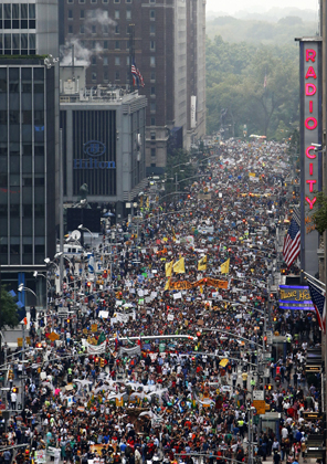 View shown of whole people's climate march from above