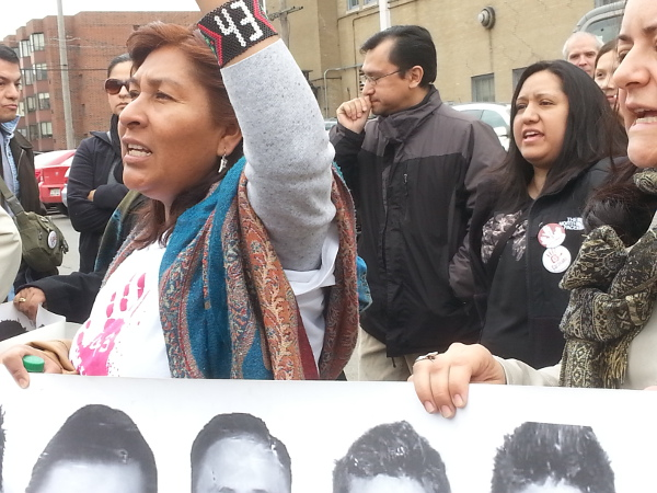 Caravana 43 march to Mexican consulate in Chicago