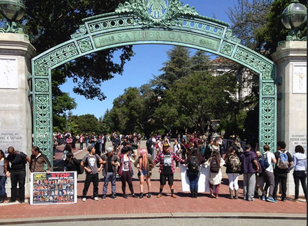 UC Berkeley A14 march