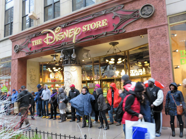 Chicago, Black Friday at Disney Store