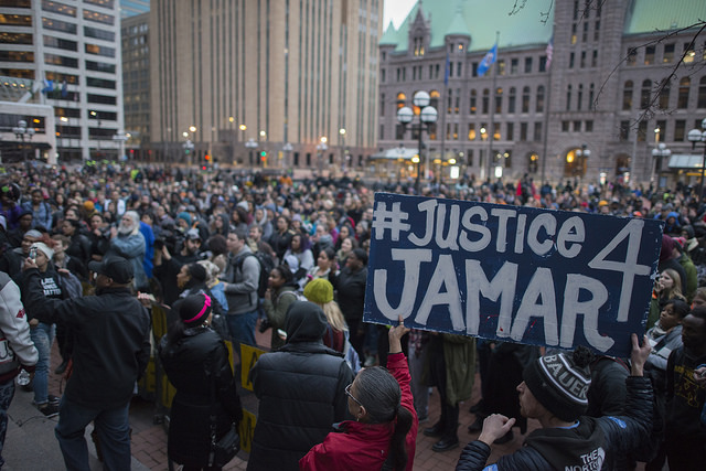 Minneapolis, March 30, after it was announced that the pigs who killed Jamar Clark would not be charged. Photo: Fibonacci Blue