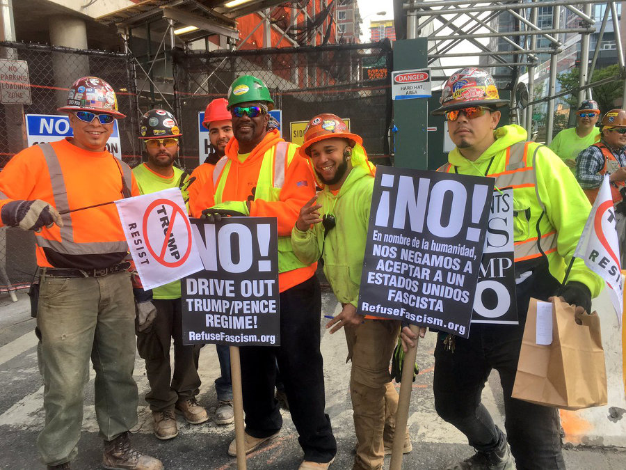Construction workers protest Trump. Photo: @MaketheRoadNY