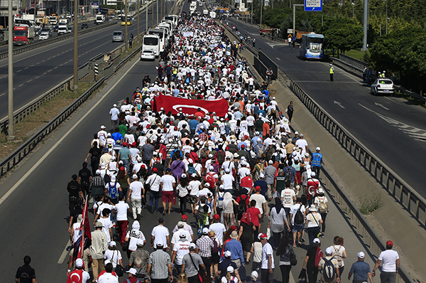 One million march from Ankara to Istanbul