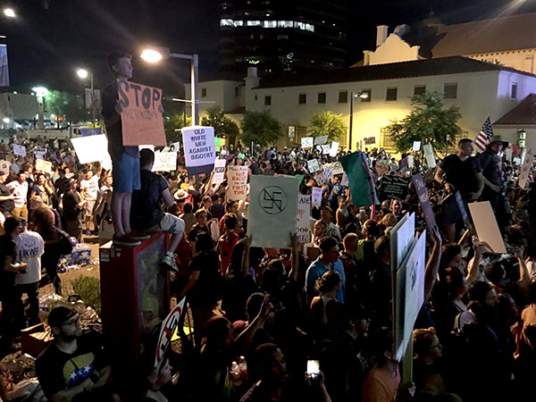Protest in Phoenix, Arizona against Trump August 22