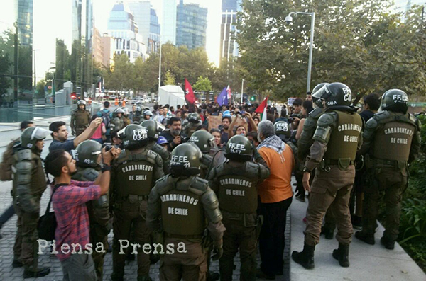 Protest in Chile against US attack on Syria